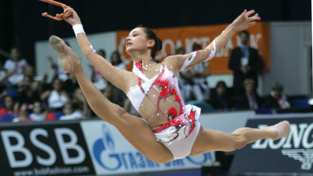 Сестры Аверины взяли две золотые медали на ЧМ по художественной гимнастике