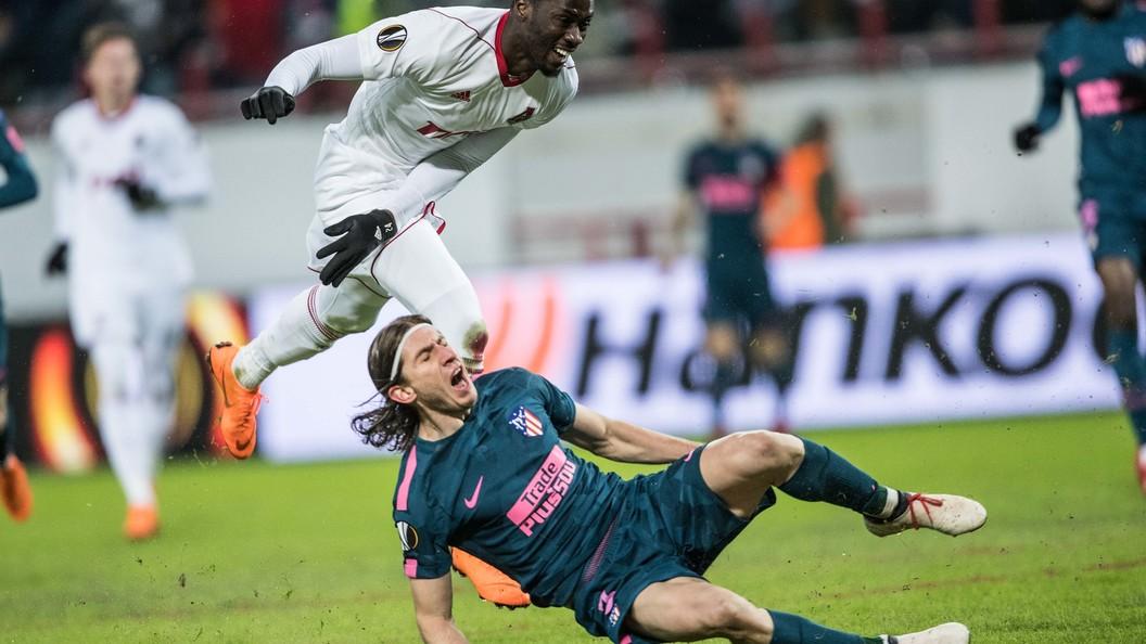 Защитник Атлетико получил перелом малой берцовой кости ирискует пропуститьЧМ