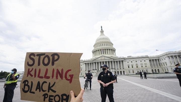 Вежливых людей разглядели в США: Трамп не зря звонил Путину