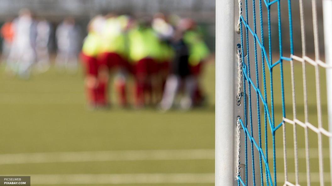 Гол за секунду: В Бразилии футболист отправил мяч в ворота с розыгрыша в центре поля