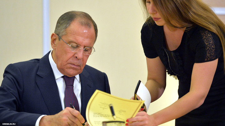 Лавров пошутил над финскими и русскими журналистами