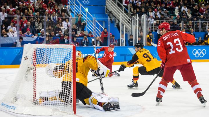 Россия - великая наша держава: Наплевав на запреты, хоккеисты грянули гимн на Олимпиаде