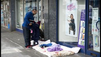 Тысячи бомжей превратили улицы Англии в стихийные ночлежки