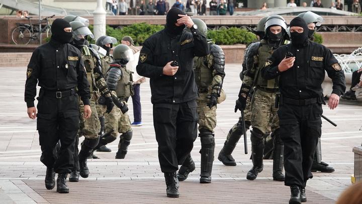 Водомёты, автозаки, слезоточивый газ… Очередная акция протеста вылилась в беспорядки в Минске