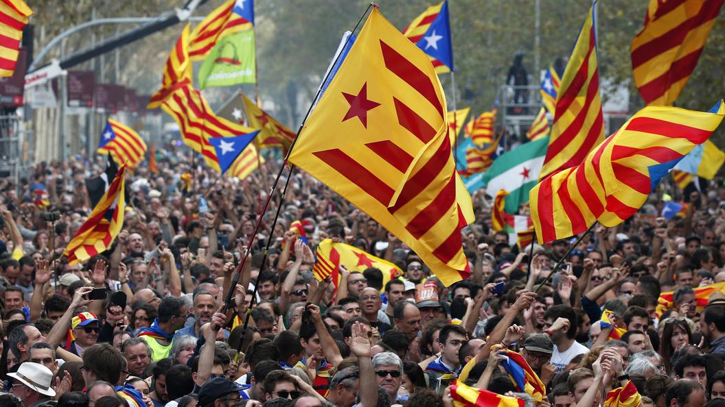 Испания отменила декларацию онезависимости Каталонии