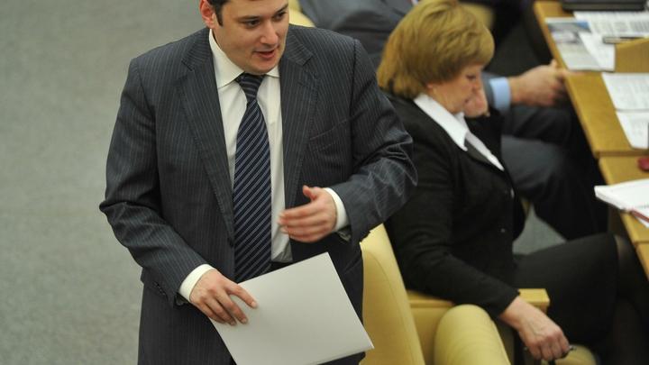 Хинштейн нажаловался на старика Жириновского в комиссию по этике