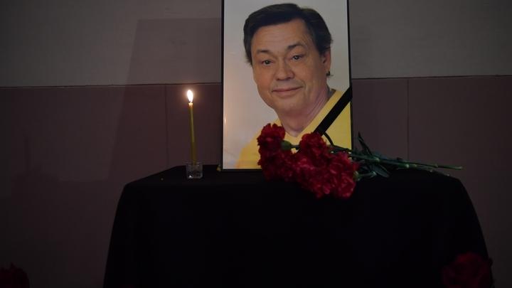 Протоиерей Андрей Ткачев обрушился с критикой на кричавших «ура!» на поминках Караченцова