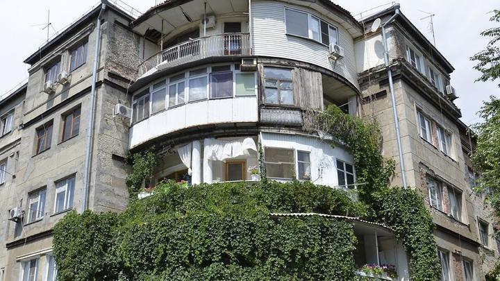 Мэрия Ростова обвинила самих жильцов Дома актёра в аварийном состоянии их квартир. Чем ответит СКР?