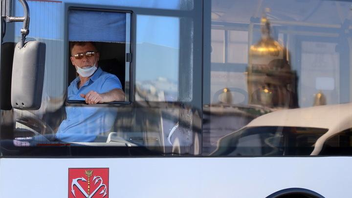 Возить некому: в мэрии Екатеринбурга объяснили, куда пропали автобусы №61