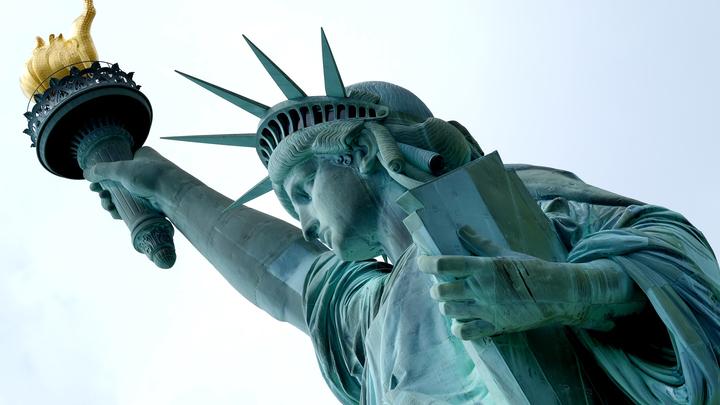 США предложили жителям России оформлять американские визы в других странах