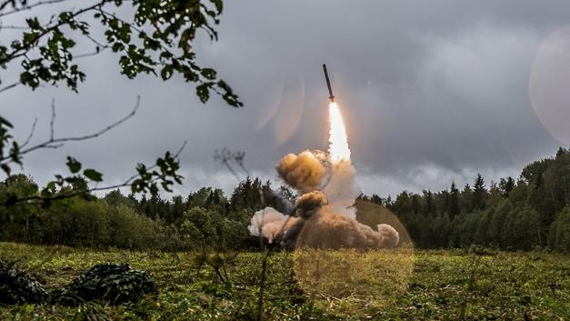 Ответочка НАТО: Россия укрепляет западные границы новейшими ракетными комплексами