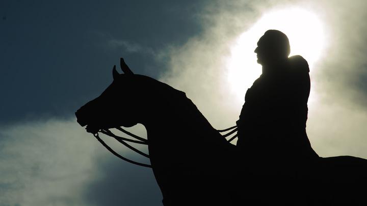 От солдата к генералу: В Сочи начали требовать сноса памятника Ермолову