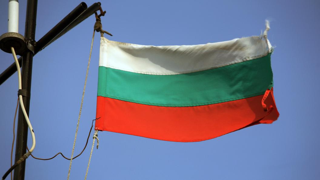 Высылать дипломатов России не будем Болгария показала Великобритании кукиш