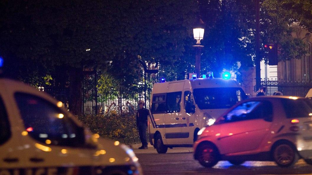 Во Франции двое мужчин открыли стрельбу возле мечети
