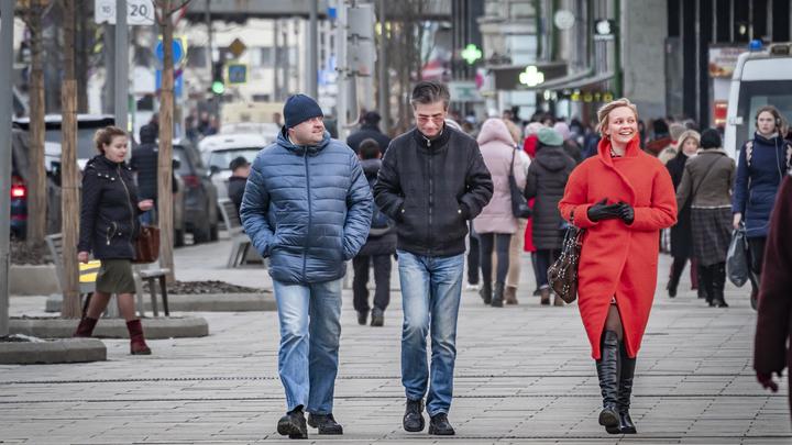 Почему Россия не боится коронавируса: Психолог объяснил феномен бесстрашных русских