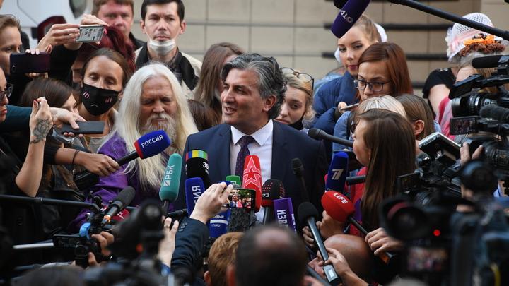 Организовали шоу: Пашаева и Добровинского пристыдили коллеги