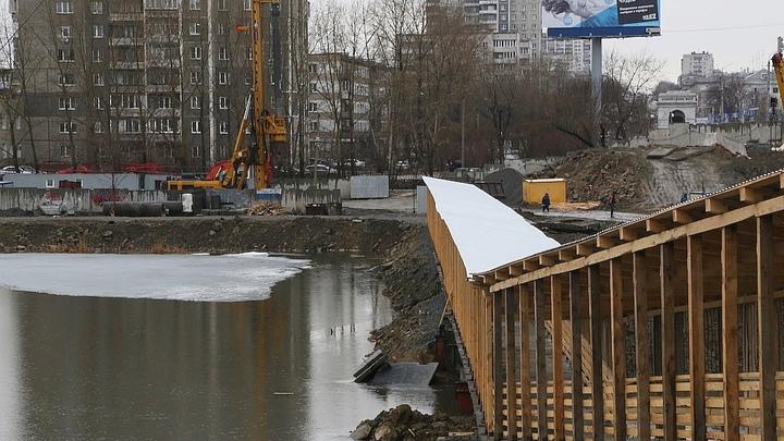 Ждем пробок: в  Челябинске меняется схема движения по Ленинградскому мосту