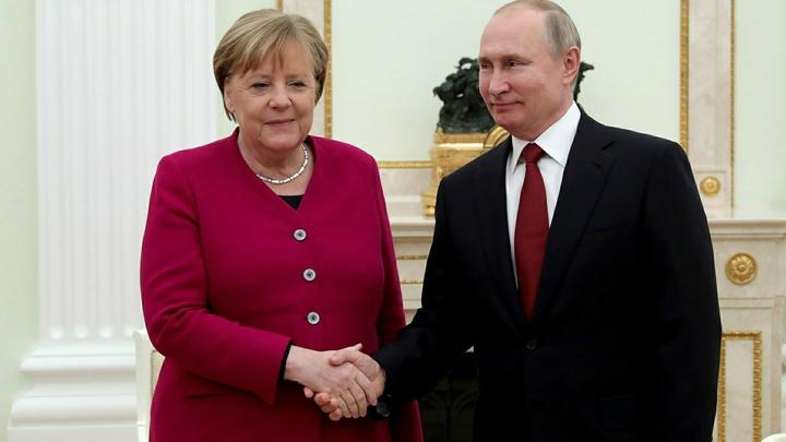 Путин - не Меркель: ошибку папы римского попытались использовать в шпионских целях