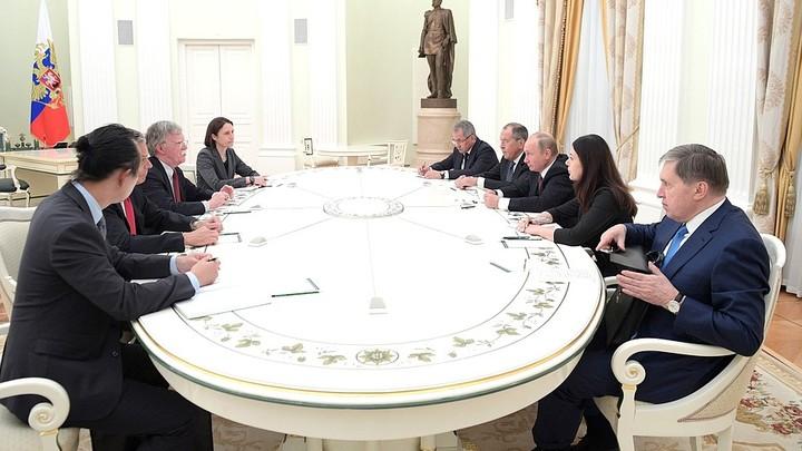 Помощник президента США обсуждает в Москве встречу Путина и Трампа - Белый дом