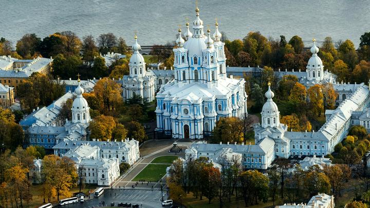 Добро пожаловать: Как Россия учится зарабатывать на иностранных туристах