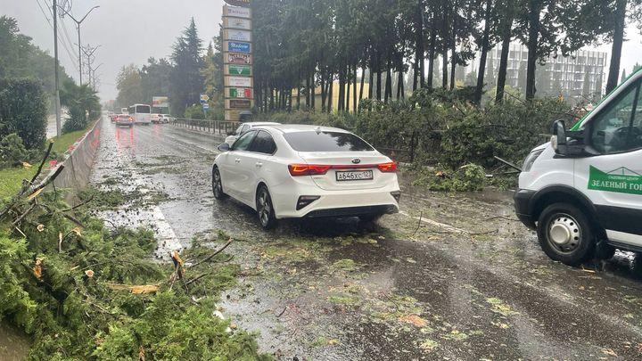МЧС предупреждает: В выходные Кубань ждут ливни с грозой, градом и шквалистым ветром