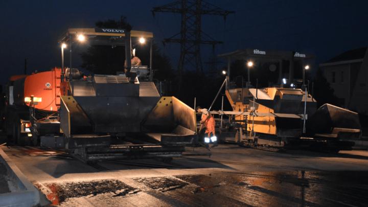 В Ростове на мосту Малиновского начали укладывать асфальт