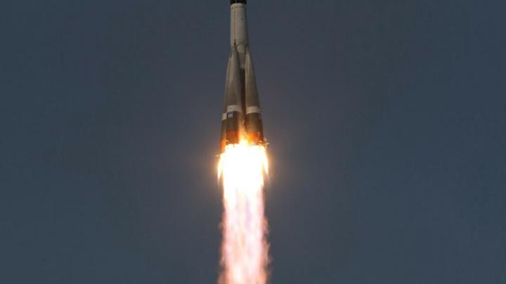 Источник: Фрегат вместе с потерянными спутниками упал в Атлантический океан