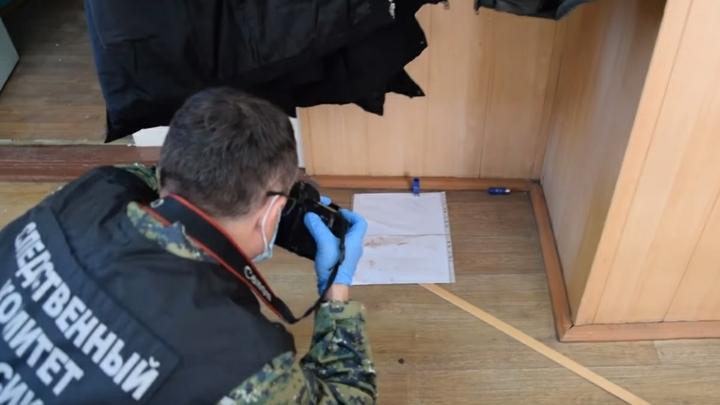 Проникающие ранения шеи: В Железногорске обнаружено тело гражданина Китая