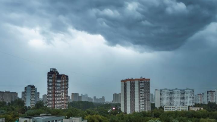 Порывистый ветер и грозы придут в Кузбасс в понедельник