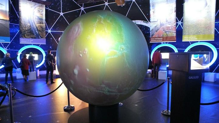 Космическая загадка: Ученые не знают, откуда на орбите Земли появляется антиматерия