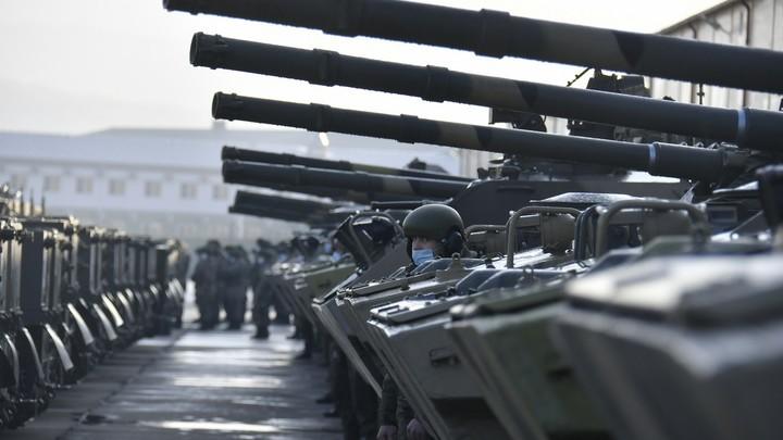 ЗРК Верба, Калашниковы и огнемёты: Россия укрепила вооружение базы в Таджикистане