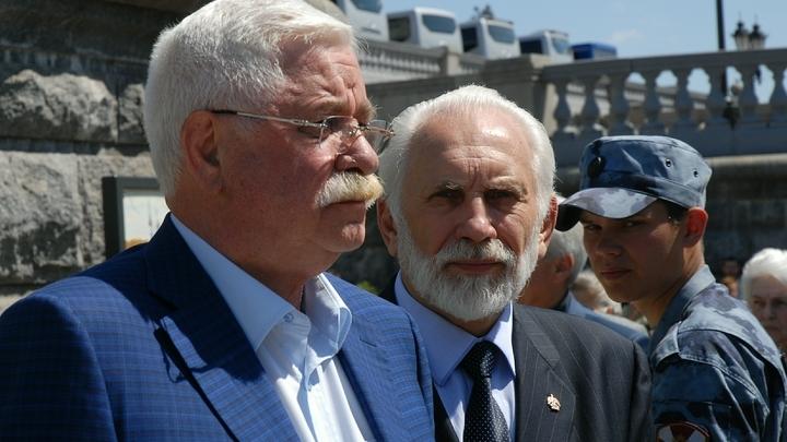 «Чубайс, Гайдар... Как доверять этой компашке?»: Бывший вице-президент Руцкой о провале «ельцинских» реформ