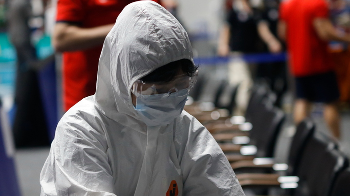 Власти Петербурга вводят новые ограничения из-за роста числа заболевших коронавирусом