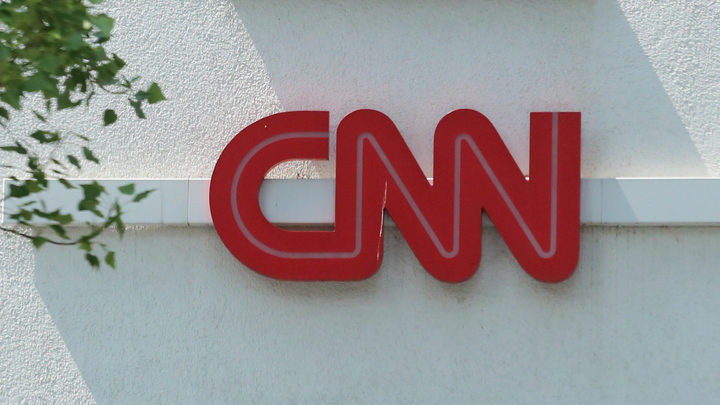 Напугать и испортить праздник: CNN объяснил полёты ядерного бомбардировщика США у границ России