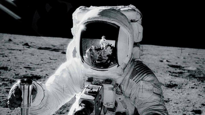 В США умер астронавт-живописец Алан Бин