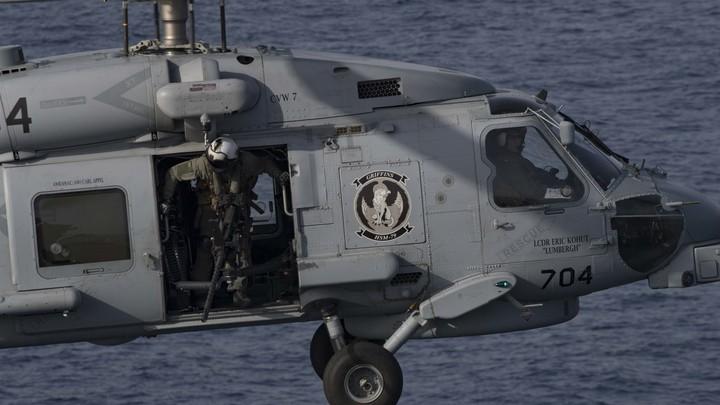 Американцы боятся джихад-лодок хуситов. Авраам Линкольн сопровождает Ударная эскадрилья семи вертолетов