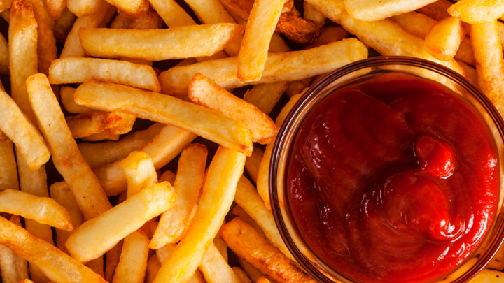 Не только калории. Учёные обнаружили ещё три заболевания, в которых виноват фастфуд