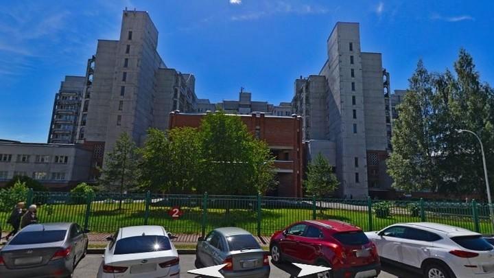 Городскую больницу №2 в Петербурге перевели на прием коронавирусных больных