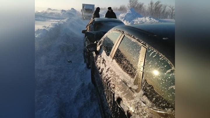 В Челябинской области спасатели километр несли на руках раненого в ДТП