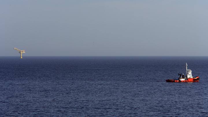 Адмирал поднял русский флаг над новыми землями, объявив о суверенитете России