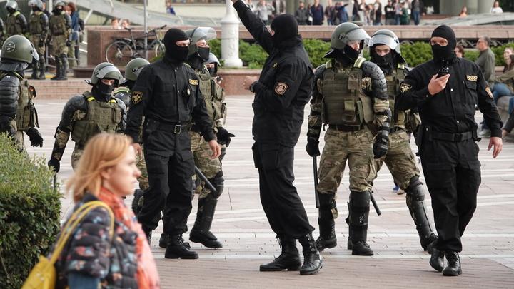 Мирный протест с камнями в Минске. ОМОН объяснил, почему перешёл на резиновые пули и газ