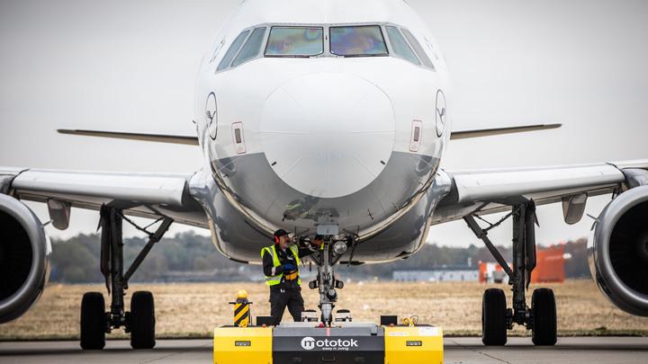 Росавиация «приземлила» авиакомпанию «Якутия»