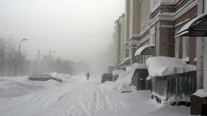Несколько дней шел: В Воронежской области залежи снега проломили крышу детского сада