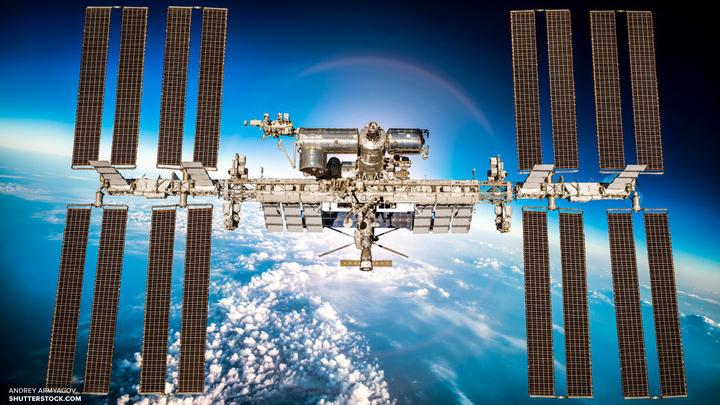 Названа причина подъема орбиты МКС на 350 метров