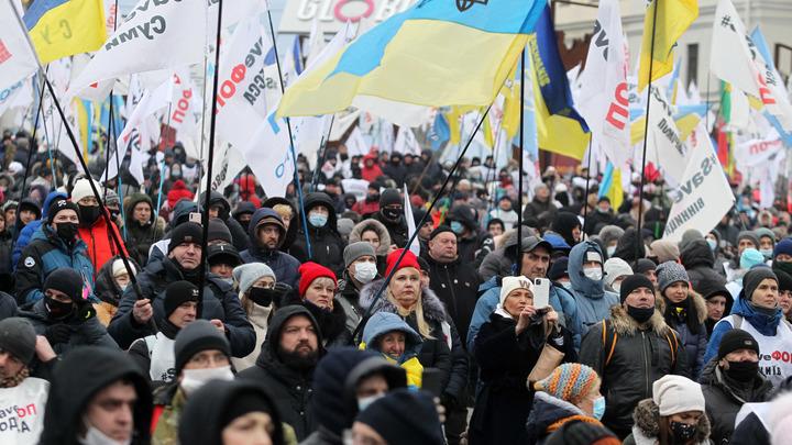 Киев решил запереть флот России в Севастополе. У Украины нашлись и помощники