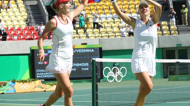 Макарова и Веснина даже после тайм-аута в парной игре сумели занять первое место в мире