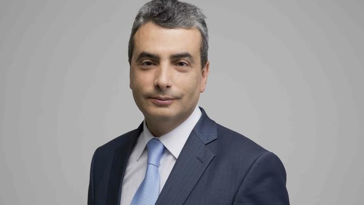 Общение эгоистов: СМИ выяснили тесные связи депутата Шлосберга с иностранными дипломатами