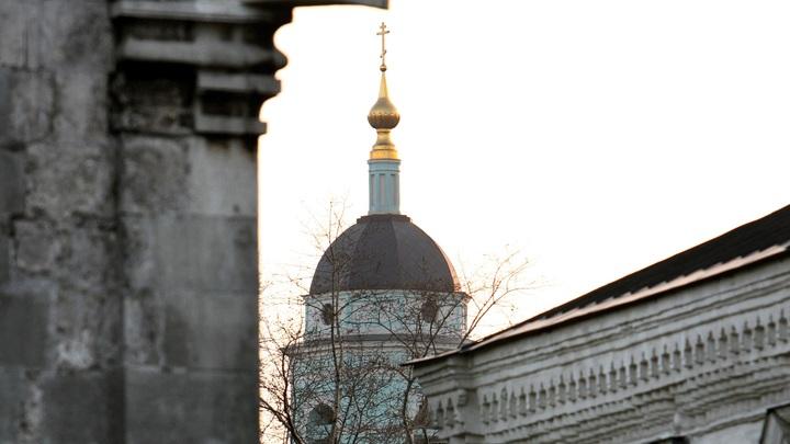 «Купол собора протекает, ступени обваливаются»: Спасский собор Андроникова монастыря под угрозой разрушения