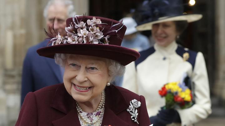 Королева Великобритании решила судьбу принца Гарри