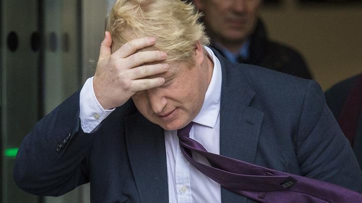 Балалайка и шапка-ушанка на очереди: Британию высмеяли за версию об отравленной гречке
